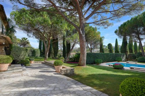 {INFOBULLE_ARTICLES_MOUGINS}